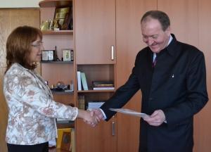 Ms. Galina Stoyanova, Mayor of Kazanlak Municipality and Mr. Kiril Arnautski, Chairman of Sozopol Foundation