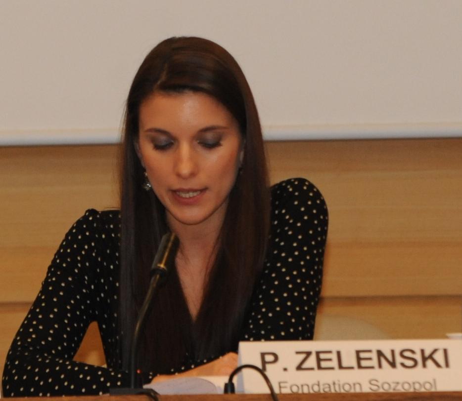 """Г-жа Петя Зеленски, координатор на подготвителната група за Форума и представител на Фондация """"Созопол"""" в Комитета за връзка НПО-ЮНЕСКО"""