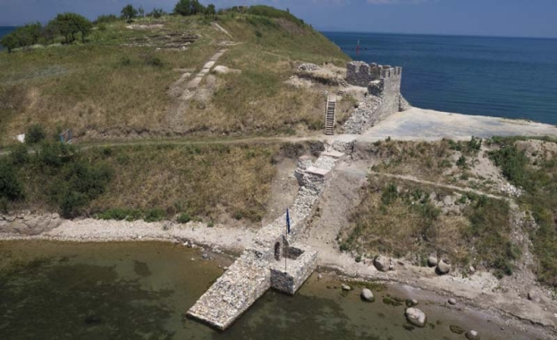 Крепост Акра, град Черноморец