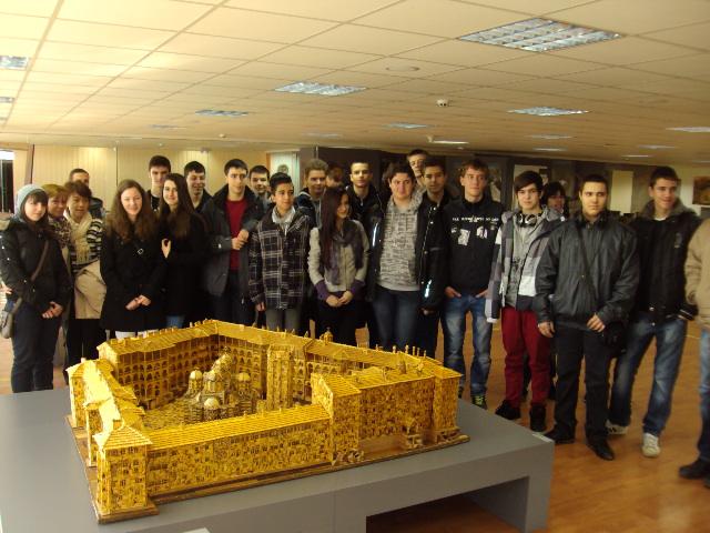 Посещение от ученици и уникалния макет на Рилски манастир