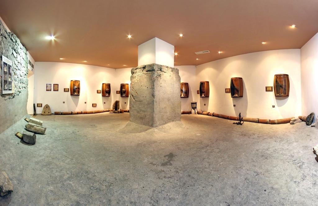 Музейна сбирка в част от стопанска сграда от V - VI век