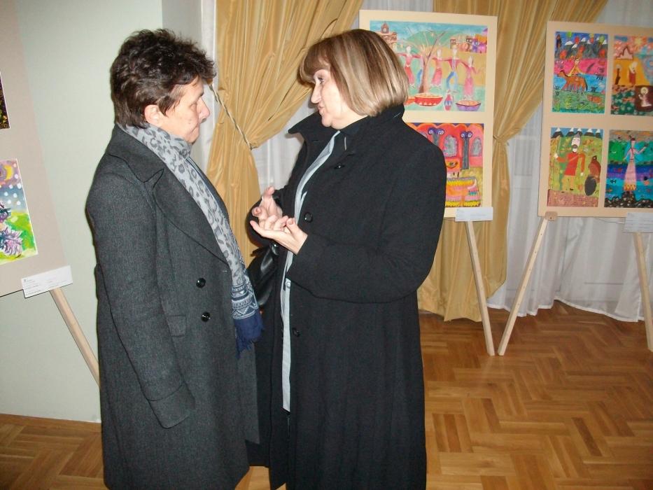 Ms. Lyubov Draganova talking with Ms. Maria Donska, Secretary of the National Commission for UNESCO