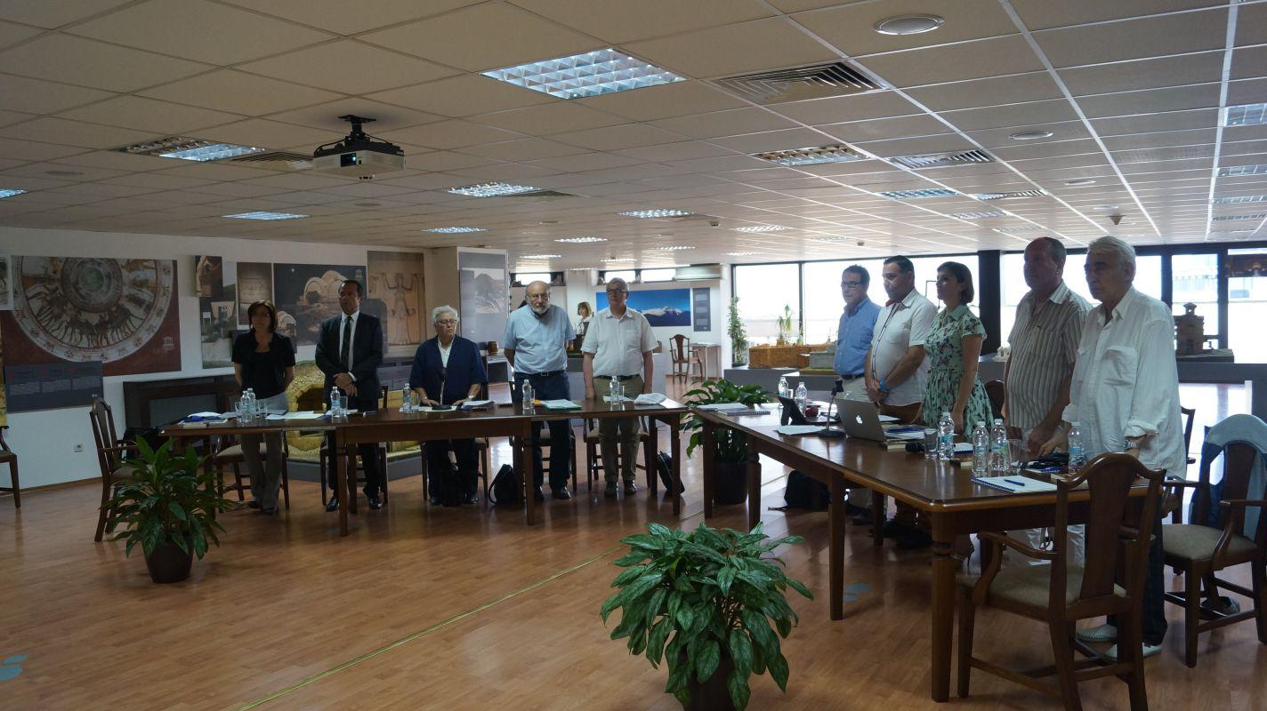 Г-н Ерик Фалт, г-жа Сабина Коломбо и членовете на Комитета за връзка НПО-ЮНЕСКО