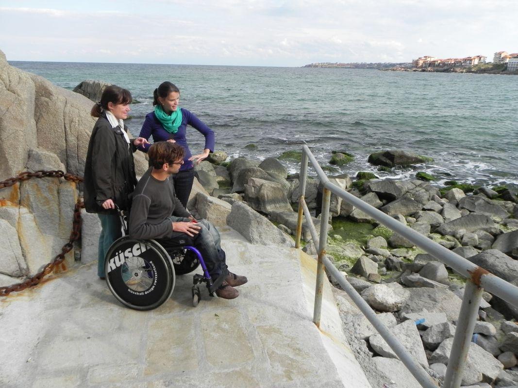 Туристически мостик, платформа и рампа за хора с увреждания